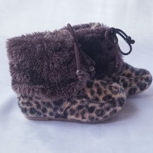 Toddler brown leopard print booties, Size 3